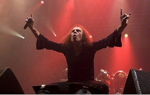 Ronnie James Dio、2008年2月10日撮影(c)AFP/Scanpix-Norway/Terje Bendiksby